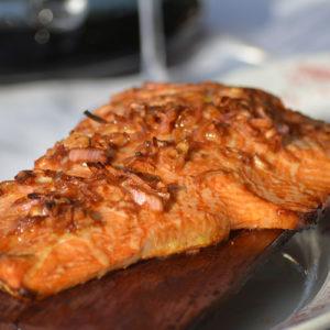saumon fumé sur planche de chêne Bord'oak